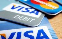 Kartą kredytową wydajemy więcej pieniędzy niż gotówką. Wiemy, dlaczego