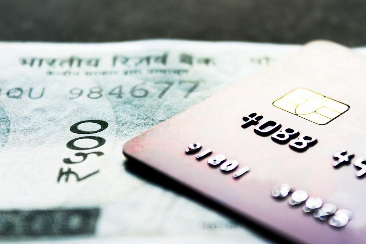 Jak zapanować nad swoimi finansami za granicą? Podpowiadamy